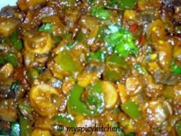 mushrooms green bell peppers cury, mushroom capsicum curry