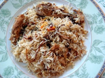 chicken biryani in a plate