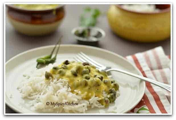Whole Bengal Gram Kadhi,  Whole Bengal Gram yogurt curry, black chickpeas yogurt curry, blogging marathon, Rajasthan Food, Marwari food, Marwadi Food