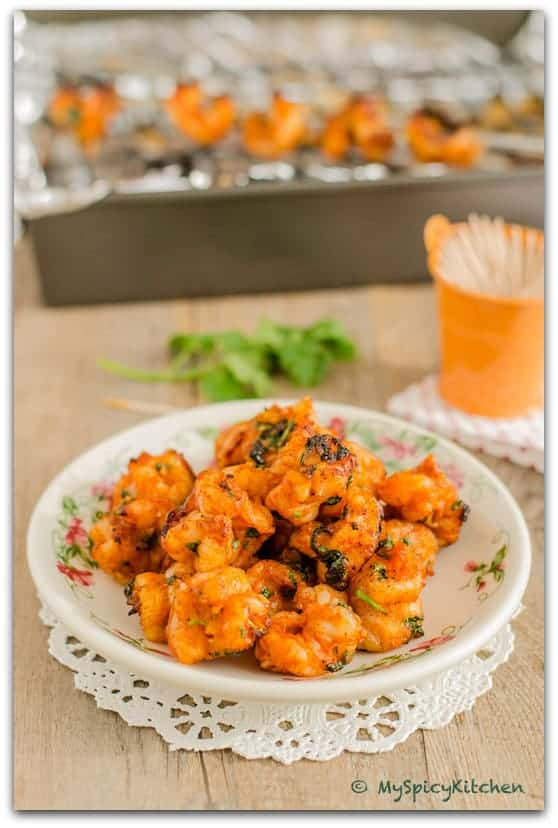 Platte of broiled spicy shrimp