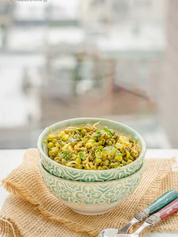 Seasoned Moong Sprouts, Blogging Marathon, Cooking Carnival, Protein Rich Food, Cooking With Protein Rich Ingredients, Cooking With Moong Dal, Moong Dal, Pesrau Pappu, Recipes with Moong, Recipes with Pesaru Pappu, Green Gram, Whole Moong, Sprouts, Moong Sprouts, Green Gram Sprouts, Snack, Sauteed Sprouts, Seasoned Sprouts,