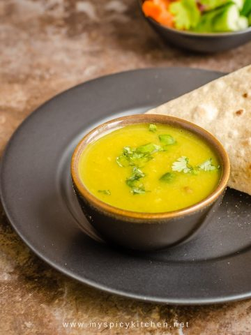 5 lentils dal with roti