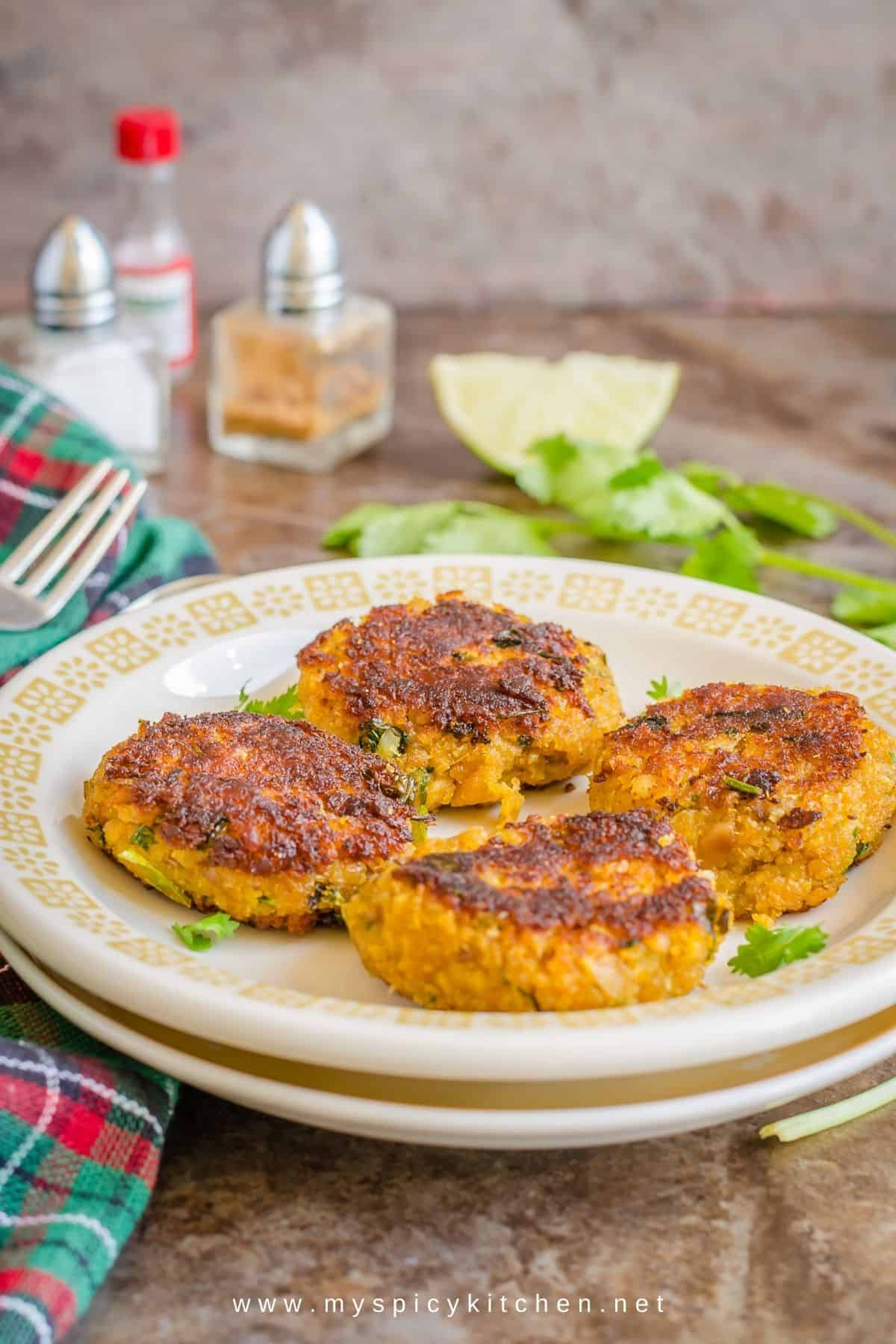Plate of tilapia cakes.